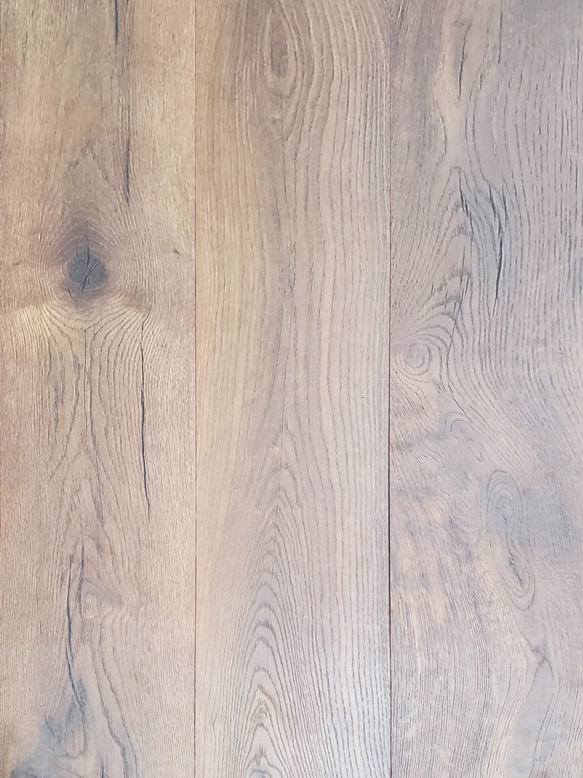 12mm Authentic Laminate_Yamaska Oak_13.92sf carton_2.39